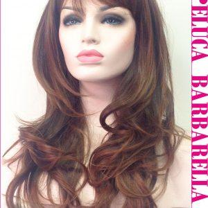 peluca ajustable rizada color marron. Una peluca muy elegante, queda muy bonita esta peluca es un modelo muy solicitado, tiene un cabello sedoso y es muy cómoda de llevar