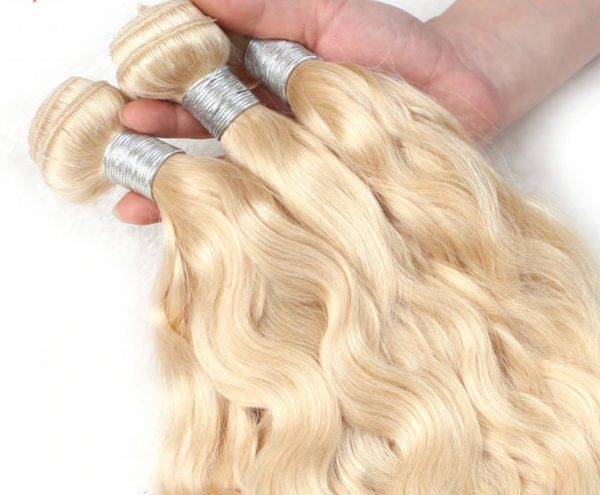xtension cabello humano rubio rizado. Extensiones de pelo cortina rizado, cabello humano 100%. Con un rizo suelto muy a la moda, pelo natural rubio humano. De tacto sedoso