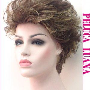 Peluca corta cabello natural. Luana es una peluca con cantidad de cabello, corte escalado