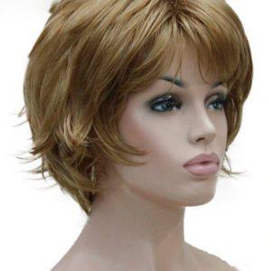 Peluca corta rubio oscuro. Peluca cómoda de llevar, esta peluca es transpirable, no se enreda, resistente al calor, cabello de tacto muy suave parecido al cabello humano. Nadie nota que llevas peluca.