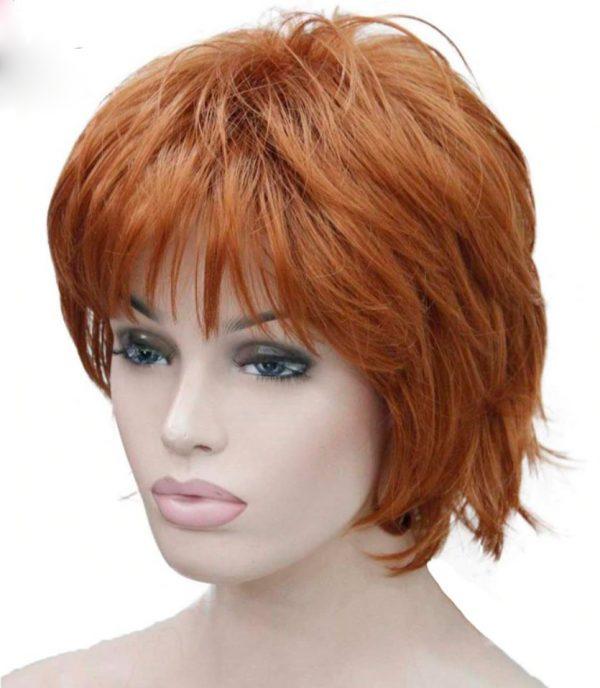 peluca corta pelirroja. Preciosa peluca lisa pero con formas onduladas color pelirrojo, de fibra resistente al calor, de alta calidad.