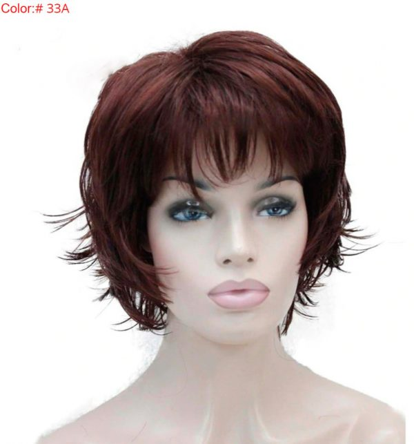 peluca caoba corta con flequillo. Es una peluca muy atractiva y elegante , cómoda de llevar, se puede usar diariamente ya que es transpirable. No se enreda, resistente al calor, cabello de tacto muy suave parecido al cabello natural. Nadie nota que llevas peluca.