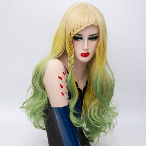 peluca fantasia tonos amarillo verde peluca fantasia tonos amarillo verde. Peluca larga, ondulada, cómoda de llevar, Lleva unas cintas elásticas para que se ajusten a tu tamaño de cabeza y no se mueva. Fácil de mantener se lava con champú suave neutro y se le aplica acondicionador.