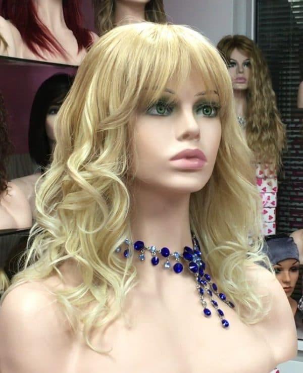 peluca natural rubia a mechas