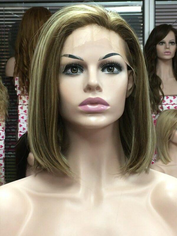 Peluca de encaje indetectable las pelucas lace front son también conocidas como frontis, se trata de cabello inyectado a mano en un tul transparente con tono de color piel igual que el cuero cabelludo.