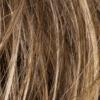 Base marrón claro con reflejos sutiles de rubio miel claro y rubio caramelo claro