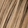 Marrón claro, rubio miel medio y rubio dorado claro se mezclan con raíces oscuras