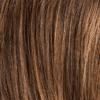Base marrón media a oscura con reflejos marrón rojizo claro y raíces oscuras