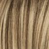 Base marrón claro con la mezcla de marrón ceniza más claro y rubio miel medio y raíces oscuras