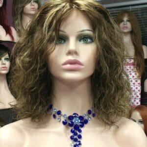 Peluca natural rizada calidad pelo humano. Peluca natural de cabello humano de la más alta calidad.Peluca de cabello humano rizado, confeccionada en España, Alicante.