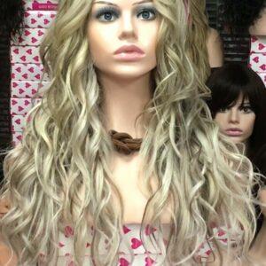 Peluca natural cabello humano calidad. Peluca natural de cabello humano de la más alta calidad cabello europeo. Modelo Sibil plus es un modelo de cabello 100% natural, esta peluca tiene un peso de 300 gramos, de largo 50/55 cm